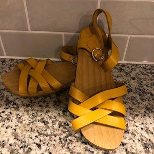 ZARA girl sandals size 38  US size7